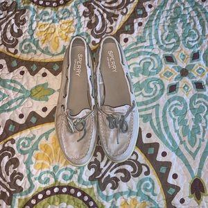 Women's sperry shoe